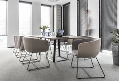 Image 18 of 18 from gallery of Office Space in Poznan / ZONA Architekci. Design Furniture, Bar Furniture, Home Office Furniture, Home Office Decor, Home Decor, Office Ideas, Office Interior Design, Office Interiors, Kitchen Interior