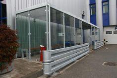 Rokersruimte buiten, op maat gemaakt voor Technische Unie (met veiligheidsglas).