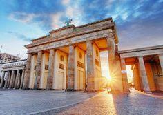 L'Allemagne va expulser vers leurs pays deux étrangers nés en Allemagne soupçonnés d'avoir préparé une attaque islamiste, une première symptomatique du durcissement des autorités allemandes après l'attentat de Berlin en décembre dernier.