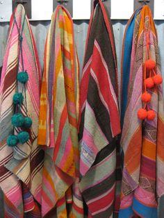 Get one-of-a-kind vintage Argentine vegetable dyed textile throws @ Diseño.