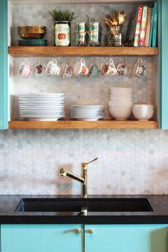 Extended backsplash, open shelving & teacup hooks / KITCHEN UPDATE: modern vintage kitchen reveal -  The Sweet Escape