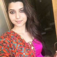 Nimrat Khaira Powered by Stay Tuned With Us For Pollywood News Updates celebrities's latest photoshots upcoming Songs & Movies Releases Inside stories backstage bites & Much More. I Want Girl Friend, New Style Suits, Ladies Mobile, Online Girlfriend, Respect Girls, Nimrat Khaira, Girl Number For Friendship, Punjabi Models, Girls Phone Numbers