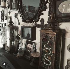 Spooky House, Halloween House, Halloween Fun, Halloween Decorations, Goth Home Decor, Neo Victorian, Western Homes, Gothic House, Aesthetic Room Decor