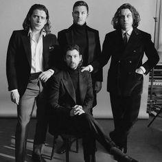 Ainda não acredito que eles estão de volta com álbum novo dia 11 de maio ❤❤❤