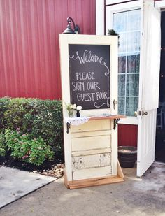 Rustic wedding / door welcome / welcome table // perfection