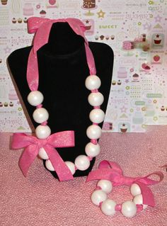 Hey, I found this really awesome Etsy listing at https://www.etsy.com/listing/185496308/12-edible-gumball-necklaces-bracelets