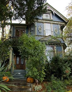 1893 Painted Lady-style house in NE Portland. Previous note: Victorian House, Portland, Oregon on We Heart it. This Old House, My House, Town House, Beautiful Homes, Beautiful Places, Witch Cottage, Second Empire, Victorian Architecture, Portland Architecture