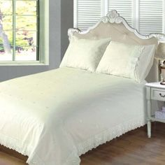 'Victoria' Cream Lace Embroidered King Duvet Set Includes King Duvet Cover and 2 Pillowcases