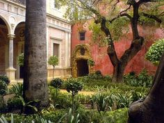 Casa de pilatos Jardín Grande - Seville - Wikipedia, the free encyclopedia Beautiful Buildings, Beautiful Places, Porches, Indian Garden, Garden Makeover, Seville Spain, Garden Park, Le Palais, Old Stone