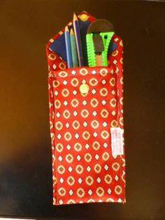 Billeteras/ fundas/ cartucheras/ guardatutti realizados con corbatas en desuso.