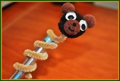 Bring these bear crafts for kids to school and have a teddy bear atop your pencil! Animal Crafts For Kids, Easy Crafts For Kids, Summer Crafts, Cute Crafts, Art For Kids, Craft Kids, Kids Fun, Teddy Bear Crafts, Teddy Bear Day
