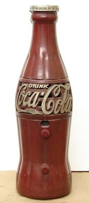 1930s vintage Coca-Cola Crosley Bottle Radio red bakelite