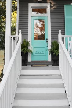 Love the door color! See it on HGTV Friday, February 26 at 12 pm / 11 central. Be sure to tune in this Friday or record it for future viewing. Mint Door, Teal Door, Turquoise Door, Exterior Paint Colors For House, Paint Colors For Home, Paint Colours, Cottage Exterior Colors, Pintura Exterior, New Orleans Homes