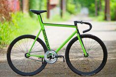 Green Frame #fixie #fixedgear #bike