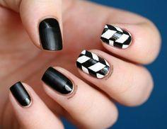 Diseños de Uñas en Blanco y Negro 12