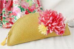 Bolso / clutch DIY hecho con un mantel individual redondo / DIY handbag / clutch made with a round single tablecloth Diy Bags Patterns, Coin Purse Tutorial, Best Leather Wallet, Diy Clutch, Clutch Bags, Crochet Clutch, Diy Handbag, Creation Couture, Handmade Handbags