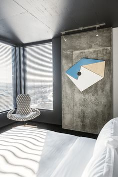 The Alt Hotel Montreal Griffintown is located in a large real-estate complex in one of the most lively districts of Montreal. Montreal Architecture, Architecture Design, Of Montreal, Hotel Lobby, Room Art, Hospitality, Concrete, Bedding, Window