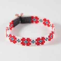 Articles similaires à Red Flower Bead Loom Bracelet Bohemian Boho Artisanal Jewelry Southwest Colors Beaded Tribal Native American Style Copper Western Rodeo sur Etsy
