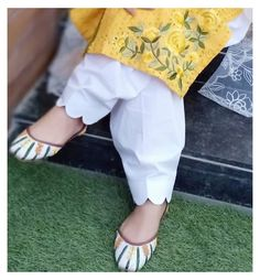 Salwar Designs, Salwar Suit Neck Designs, Kurta Neck Design, Neck Designs For Suits, Sleeves Designs For Dresses, Kurta Designs Women, Kurti Designs Party Wear, Dress Designs, Sleeve Designs