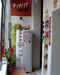Home decor Kitchen colors Indian home decor Kitchen decor Kitchen inspirations Home deco - Interiores 55 La casa imantada - Indian Room Decor, Ethnic Home Decor, Quirky Home Decor, Cute Home Decor, Easy Home Decor, Home Decor Kitchen, Boho Kitchen, Home Decor Furniture, Home Decor Bedroom