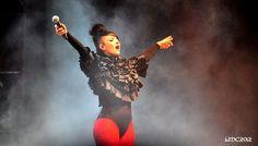 Tara McDonald live NRJ music tour Bordeaux 2012
