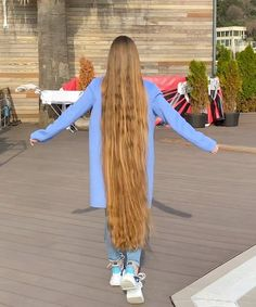 VIDEO - If you saw this, you wouldn't believe your eye - RealRapunzels Bun Hairstyles For Long Hair, Funky Hairstyles, Straight Hairstyles, Men's Hairstyle, Formal Hairstyles, Wedding Hairstyles, Chelsea Houska Hair, Long Dark Hair, Thick Hair