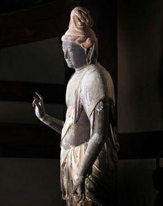 伎芸天立像-gigeitenryuuzou-(maitreya) One pillar of the heavens part which is a Buddhistic guardian deity. 秋篠寺(akishinodera)