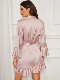 To find out about the Ruffle Hem Belted Satin Robe at SHEIN, part of our latest Night Robes ready to shop online today! Satin Pyjama Set, Satin Pajamas, Ropa Interior Babydoll, Textiles Y Moda, Satin Cami Dress, Lace Bridal Robe, Cute Sleepwear, Nightwear, Night Gown