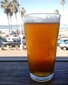Curing our case of the Mondays with beers at South Beach in #oceanbeach