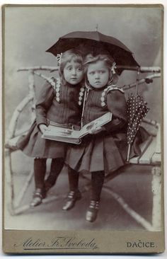 ▫Duets▫ sisters, twins & groups of two in art and photos - vintage umbrella toddlers