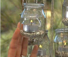 Make a garden chandelier from mason jars with this DIY garden . - Make a garden chandelier from mason jars with this DIY garden … - Diy Garden, Garden Projects, Garden Art, Diy Projects, Garden Ideas, Moon Garden, Garden Shop, Backyard Projects, Mason Jars