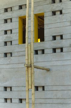 SchilderScholte_Pani school community center_Rajarhat_Bangladesh_plasterwork wall with bamboo column