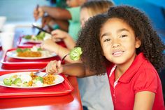 Autism and the School Cafeteria: Four Tips to Help Kids Eat