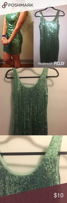 Green Sequin Dress Green sequin bodycon dress wore once for Halloween (Tinkerbelle). Form fitting and true to size Rue 21 Dresses Mini