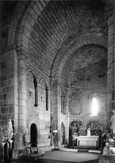 Capela-mor. Fotógrafo: Mário Novais, 1899-1967. Orientador científico: Mário Tavares Chicó, 1905-1966. Data aproximada da produção da fotografia original: 1954.  [CFT015.277.ic]