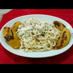 Linguine boneless pork ribs Alfredo Pasta with some plantains. Made by me. Im a pastry who cooks deliciously. Love it ;) #homemade  #chef #food  #foodart #delicious #pasta #Alfredo #decor #garnish #comfort #food #dinner #home #love  #friday #night