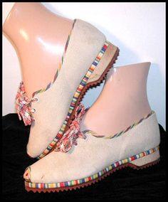 Cotton peep-toe wedge flats with fiesta rainbow trim, c. 1940s.