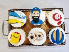 Sikh cake, scientist themed cakes Personalised Cakes, Themed Cakes, Sugar, Cookies, Desserts, Food, Personalized Cakes, Meal, Theme Cakes