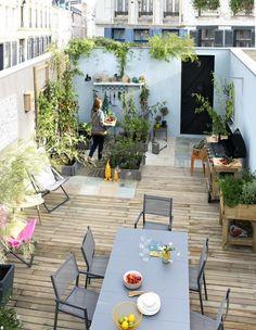Terraza con huerto Outdoor Spaces, Outdoor Living, Outdoor Decor, Small Back Gardens, Terrasse Design, Terrace Decor, Backyard Plants, Recycled Garden, Diy Patio