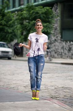 How To Wear Pops Of Pink- Street Style