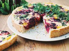 Punajuuripiirakka3 No Bake Desserts, Salmon Burgers, Quiche, Cheesecake, Baking, Breakfast, Ethnic Recipes, Food, Cheesecake Cake