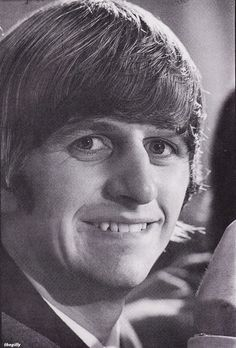 Ringo at the Indianapolis press conference, 3 September Photo by Curt Gunther. Beatles One, Beatles Funny, Beatles Photos, The Band's Visit, The Quarrymen, Richard Starkey, The Fab Four, Wife And Girlfriend, Saddest Songs
