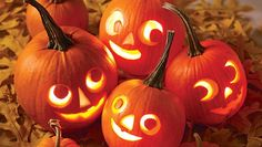Pick your best pumpkin and have your carving tools to the ready -- it's Halloween! Whether you want to go spooky or goofy, we have tons of Halloween pumpkin ideas for you to choose from and tips on how to safely carve a pumpkin. Diy Halloween, Deco Haloween, Holidays Halloween, Vintage Halloween, Halloween Pumpkins, Halloween Decorations, Happy Halloween, Halloween Clothes, Halloween Labels