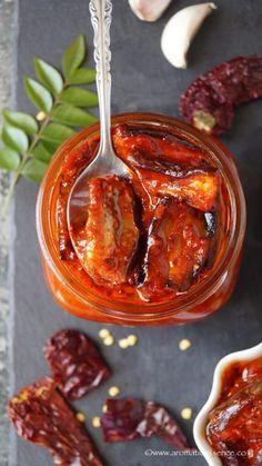 Goan Recipes, Indian Food Recipes, Vegetarian Curry, Vegetarian Recipes, Pesto, Indian Pickle Recipe, Pickled Eggplant, Spicy Pickles, Pickles Recipe