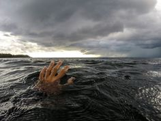 Drowning Doesn't Look Like Drowning - Soundings Online