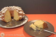 Bundt cake de mandarina. http://www.lacocinademezquita.com/2015/10/bundt-cake-de-mandarina.html