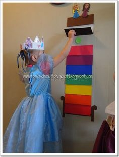 Princess and the Pea Game (could be turned into number/color recognition game by adding numbers to the mattresses! Nursery Rhymes Games, Nursery Rhymes Preschool, Nursery Rhyme Theme, Preschool Games, Preschool Alphabet, Preschool Calendar, Alphabet Crafts, Alphabet Letters, Fairy Tale Activities
