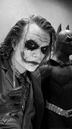 Hyper Realistic Sculptures of Movie Characters by Bobby Causey - Joker & Batman Heath Ledger Joker, Harley Quinn Et Le Joker, Le Joker Batman, Real Batman, Batman Suit, Superman, Marvel Dc, Wallpaper Animé, Dc Comics