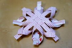 Star snow, my loving heart . Christmas Crafts, Merry Christmas, Xmas, Christmas Ornaments, Coffee Filter Flowers, Kirigami, Tree Decorations, Photo Wall, Paper Crafts