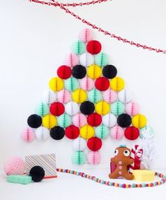 from Merry mag holiday 2015 - Colourful DIY honeycomb paper christmas tree alternative by Studio DIY Wall Christmas Tree, Christmas Decorations For The Home, Christmas Home, Xmas Tree, Green Christmas, Homemade Christmas, Traditional Christmas Tree, Alternative Christmas Tree, 242